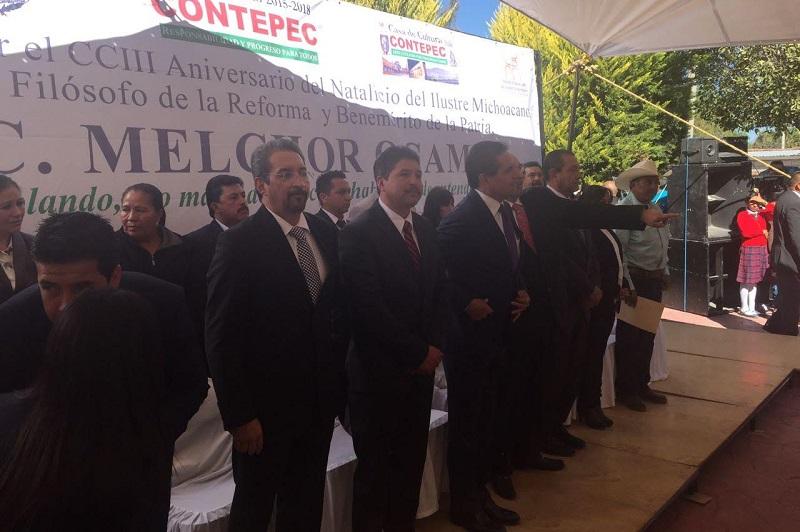 Durante la ceremonia, el presidente municipal de Contepec, Rubén Rodríguez Jiménez, dio una reseña sobre la vida de Ocampo y sus principales aportaciones como político, científico y benefactor