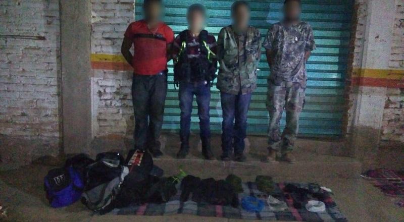 Los presuntos implicados, vehículos, armas de fuego, equipo táctico, cargadores, cartuchos y droga fueron puestos a disposición de la autoridad competente