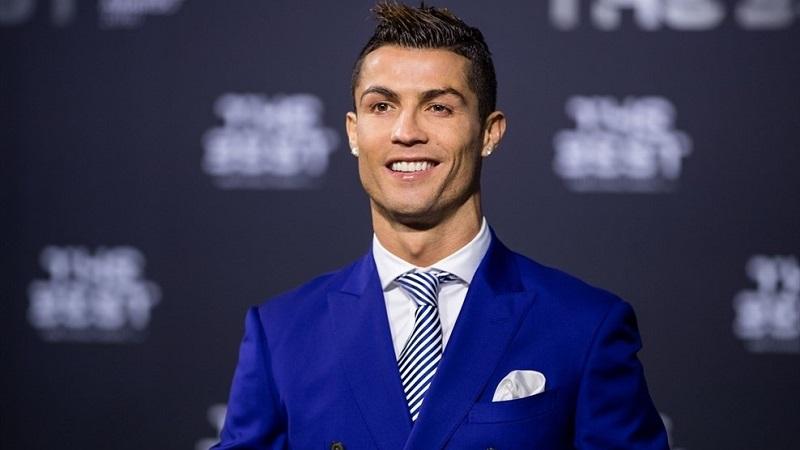 Cristiano terminó el 2016 con un 'hat-trick' en la final de la Copa Mundial de Clubes de la FIFA ante el Kashima Antlers, por lo que alcanzó los 42 goles con el Real Madrid en el año natural, que se sumaron a los 13 que firmó con Portugal