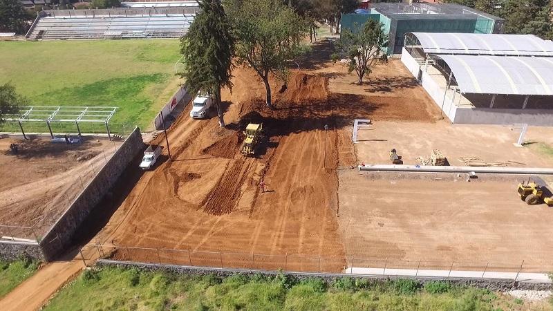Báez Ceja destacó que la obra contempla nuevas instalaciones en canchas tenis, voleibol playero, pista de patinaje, trotapista, canchas techadas de usos múltiples, salones para zumba y aerobics, así como un espacio al aire libre para práctica de diferentes deportes