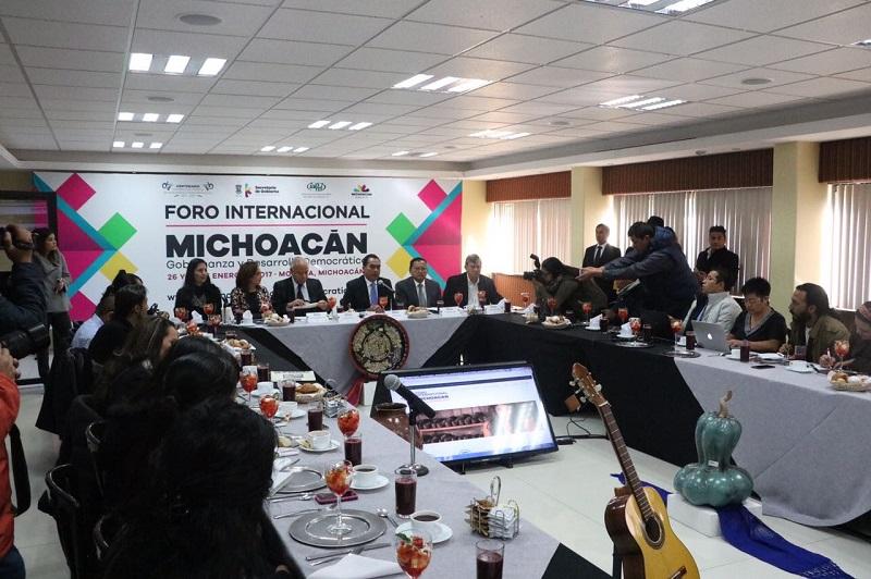 Para presentar y dar cuenta de los detalles del evento, el secretario de Gobierno, Adrián López Solís, en conjunto con miembros del comité organizador, sostuvieron un encuentro con representantes de los medios de comunicación