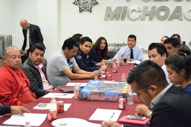 Luego de escuchar las problemáticas que cada una de estas autoridades auxiliares hicieran, Juan Bernardo Corona dejó en claro que para combatir los problemas de inseguridad es necesario seguir con el trabajo coordinado