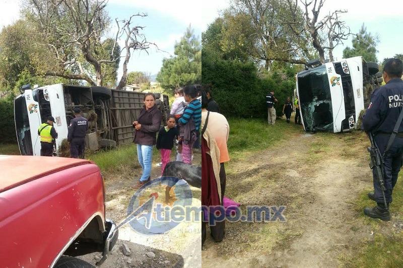 La emergencia fue atendida por Bomberos de Zitácuaro, así como por la Policía Federal (FOTOS: FRANCISCO ALBERTO SOTOMAYOR)