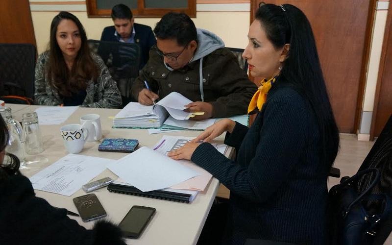Alma Bahena, anunció que dentro de este trabajo se logrará beneficiar a dos comunidades con el comienzo de labores de dos panteones municipales más, como serán en las localidades de Chihuerio y Zajo Chico