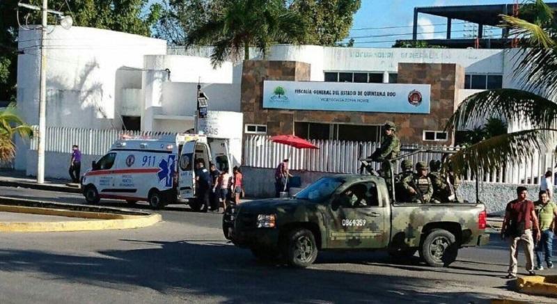 La tarde de hoy se activó al número de emergencias Código Rojo, debido al reporte de ataque de personas armadas a la Fiscalía General en la Avenida Xcaret