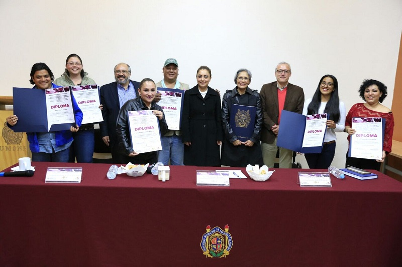 La coordinadora de Comunicación Social del Gobierno de Michoacán, Julieta López, refirió que este Diplomado surgió con el propósito, además de apoyar a las y los periodistas en su capacitación, con el afán de contribuir a que puedan contar con mejores alternativas de trabajo