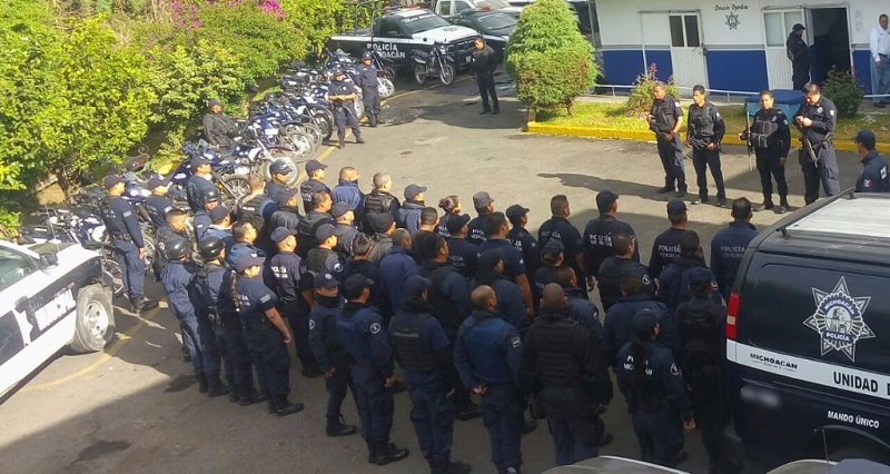 Con la presentación del nuevo mando policial, durante una reunión realizada en el municipio de Paracho dieron inicio los operativos de prevención de delitos con personal municipal y de tránsito en la región