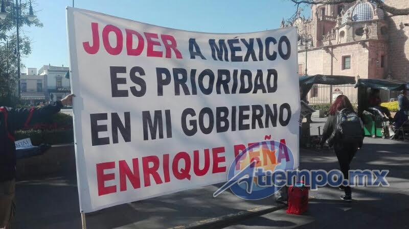 Efraín Gómez Vargas, representante de la Alianza de Combis y Taxis de Michoacán, anticipó que las manifestaciones continuarán hasta lograr dar marcha atrás al gasolinazo (FOTOS: RAMSÉS SEGUNDO RAMÍREZ)
