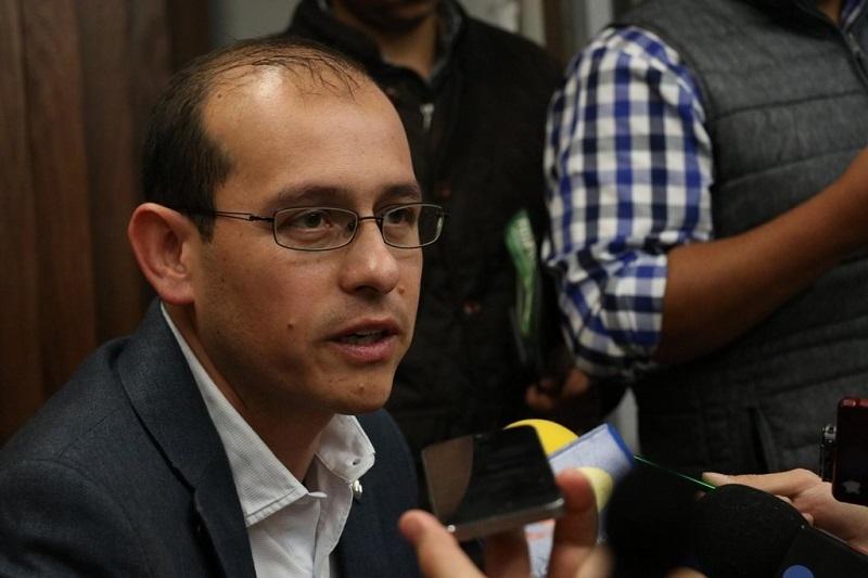 El jefe de los panistas en la entidad calificó como alarmante la situación de violencia que se vive y se percibe en Michoacán ya que los índices delictivos han ido en escalada sin que nada o nadie pueda contrarrestarla