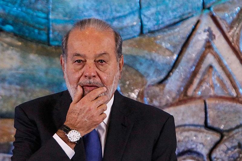 El empresario, el hombre más rico de México, dijo también que respalda al gobierno de Enrique Peña Nieto y celebró que cancelara la reunión que tenía el próximo 31 de enero con Donald Trump, tras las diferencias por el muro que pretende el estadounidense