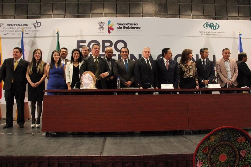 El secretario de Gobierno de Michoacán, Adrián López Solís, declaró que el Foro sirve para tener vigentes distintos puntos de vista y coincidir en posturas en torno a hechos locales, nacionales e internacionales que impactan en la vida de las distintas poblaciones