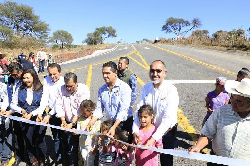 Aureoles Conejo mencionó que para atender el tema de salud, ya se trabaja en la modernización y equipamiento del Centro de Salud de Villamar y de la comunidad de Emiliano Zapata
