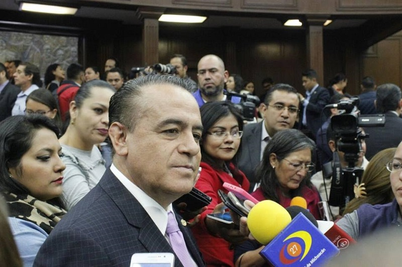 Pascual Sigala subrayó que la ciudadanía exige que se dé marcha atrás al gasolinazo que se implementó en el país a partir del primero de enero, lo que ha ocasionado graves afectaciones a la economía y descontento social