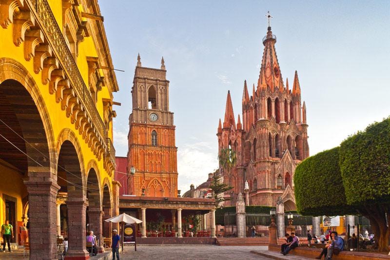 San Miguel de Allende es la marca más fuerte del estado. Catalogado como Pueblo Mágico, el destino ha sido elegido por marcas hoteleras de alto lujo como Rosewood para abrir hoteles boutique, tendencia que esperan prevalezca en adelante.
