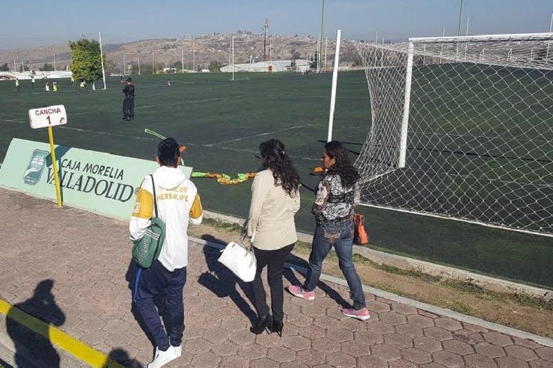 J.M.T.D., de 17 años recientemente viajó a España a un campamento de fútbol, luego de haber ganado las diferentes etapas de un programa implementado por la SEDESOL para apoyar a jóvenes en situación de alta vulnerabilidad