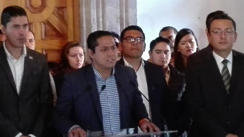 """El IEPS no es un impuesto para darle viabilidad económica a un país, sino un impuesto para darle viabilidad financiera a un aparato burocrático obeso, que le cuesta a los mexicanos 4.8 billones de pesos al año, expresó el diputado local quien aseguró que la sociedad """"está encabronada"""""""