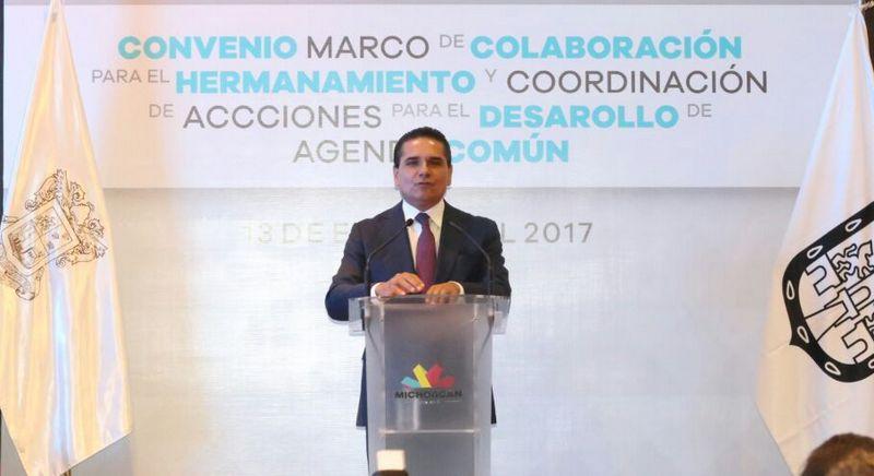 El gobernador de Michoacán dijo estar de acuerdo con que las personas se manifiesten siempre y cuando esto sea por la vía pacífica, pues la violencia quita legitimidad y espíritu a los movimientos