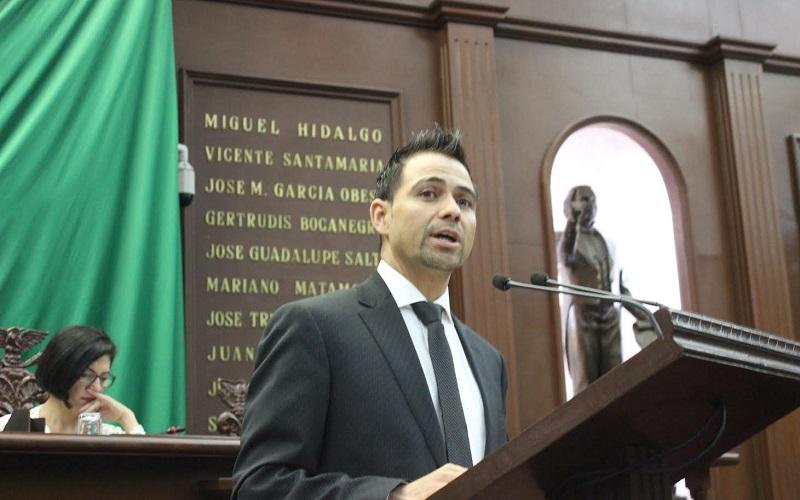 Respecto al tema de la Reforma Electoral, el diputado perredista dijo que el Congreso de Michoacán tiene hasta mediados del año para aprobarla