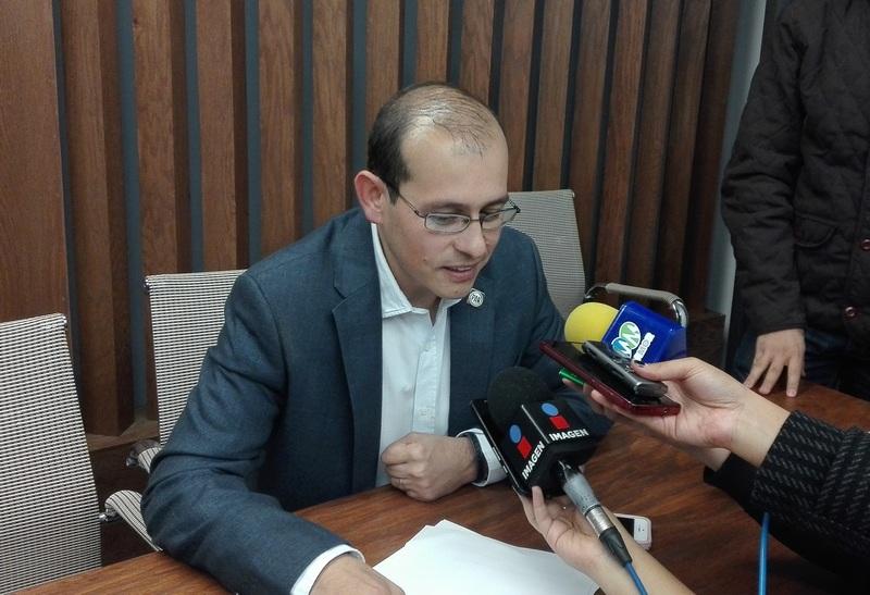 El dirigente del Partido Acción Nacional en Michoacán, José Manuel Hinojosa, dijo desconocer si hay panistas que quieran deslindarse del partido para sumarse a las filas otro