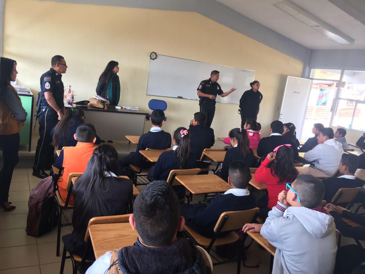 Esta semana se atendió a estudiantes de la Secundaria Técnica 143, a donde las jornadas regresaron a petición expresa de los directivos
