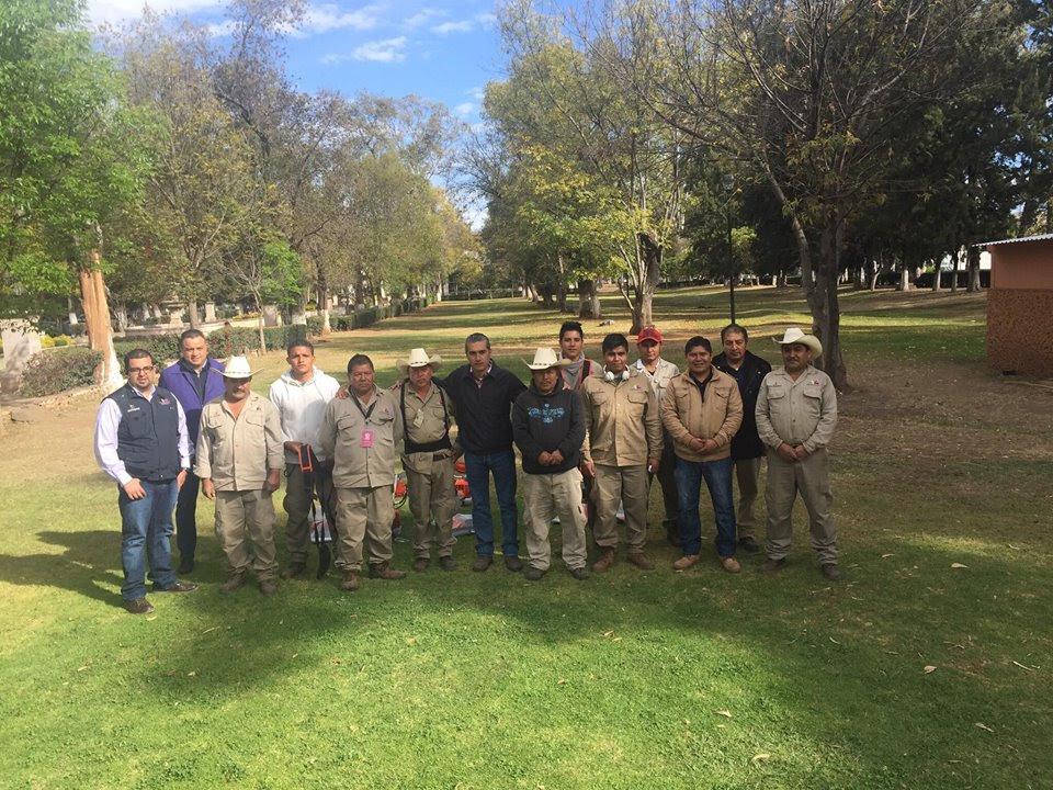 En la entrega, el titular de Ceconexpo reconoció la labor del personal de Jardinería, ya que su trabajo representa la primera imagen que reciben los visitantes