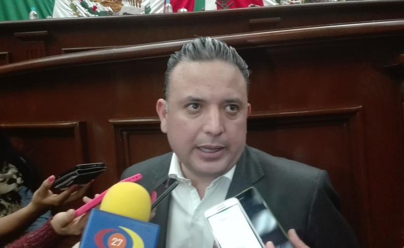 En otros temas el diputado dijo que antes de febrero se estaría terminando de legislar para que Michoacán cuente con una nueva Ley de Remuneraciones