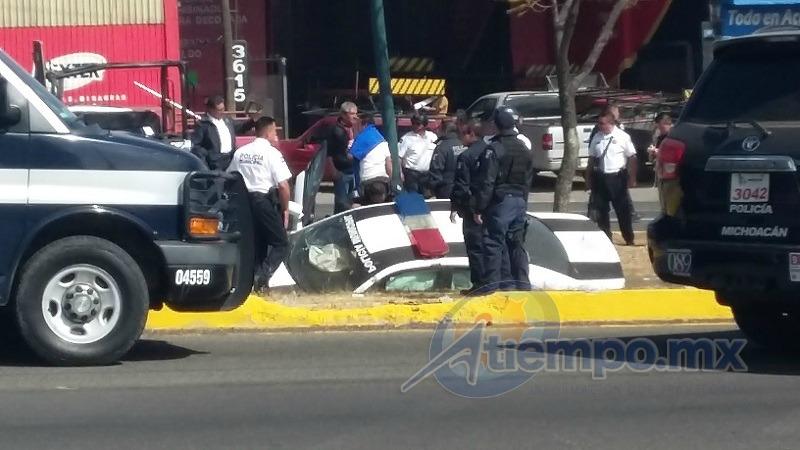Hasta el momento no se reportan lesionados de gravedad, pero la movilización atrajo a alrededor de 100 policías y el tránsito vehicular estuvo casi cerrado por alrededor de 2 horas