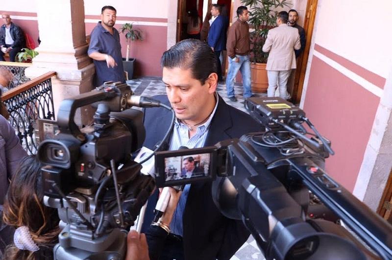Ernesto Núñez que es necesario que se solicite el apoyo de la Federación para atender los problemas que aquejan al sector educativo en Michoacán