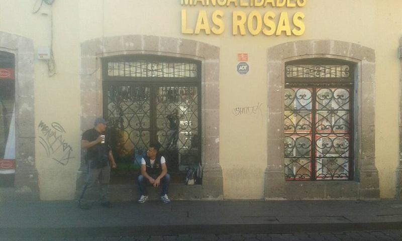 Los rateros ingresaron desde un estacionamiento que se encuentra en la calle García Obeso; rompieron cristales y forzaron puertas, así como cajas fuertes, para cometer su fechoría (FOTOS: FRANCISCO ALBERTO SOTOMAYOR)