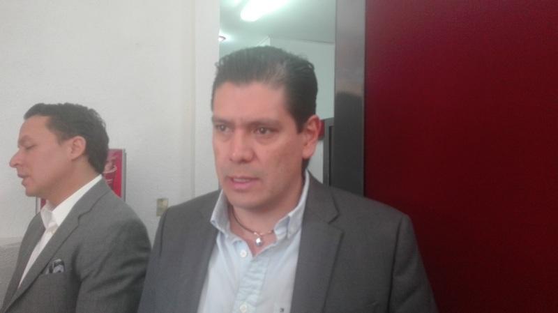 Núñez Aguilar reconoció que el incremento en los costos de los combustibles corresponde mucho a contextos internacionales, pero que por lo menos hoy en esta coyuntura del país, el presidente, Peña Nieto, tendrá que tomar otra serie de medidas apretando incluso algunos programas