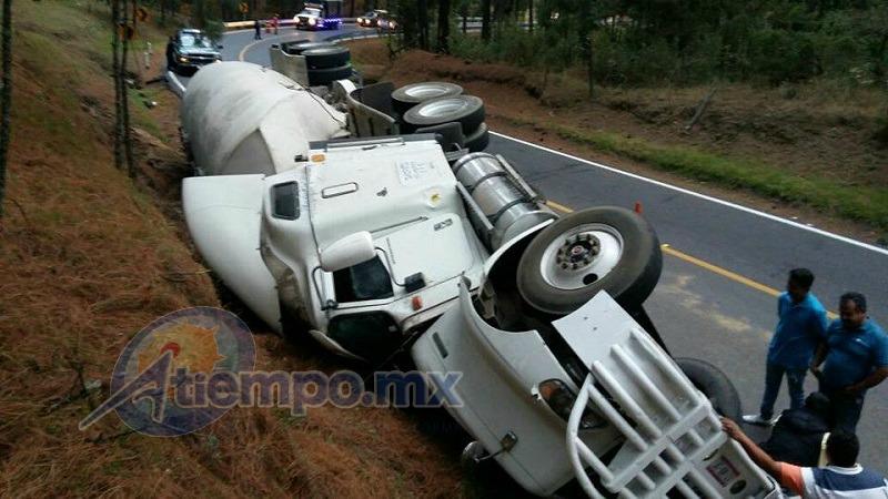 El tránsito vehicular se vio interrumpido por más de una hora en la zona (FOTOS: FRANCISCO ALBERTO SOTOMAYOR)