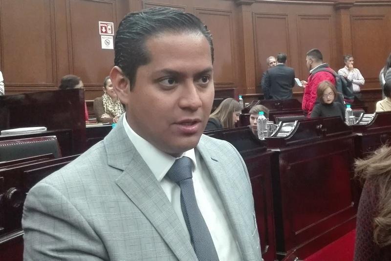 El diputado de Movimiento Ciudadano dijo que regular los costos de las gasolinas es cuestión de voluntad a nivel federal
