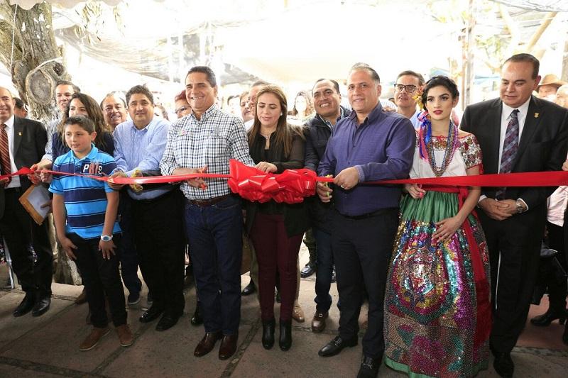El titular del Ejecutivo estatal, Silvano Aureoles, inaugura la 9a edición de la Expo Orquídea de San José de Gracia