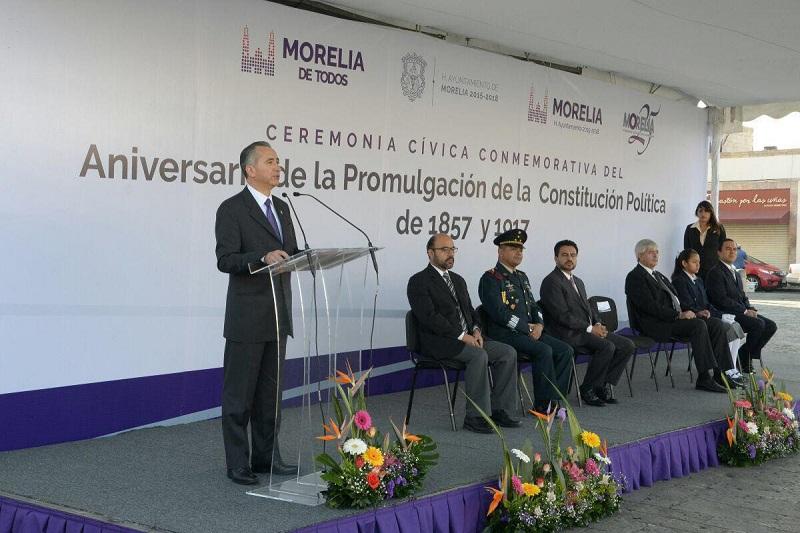 Autoridades municipales conmemoraron el Aniversario de la Promulgación de la Constitución Política de 1857 y 1917