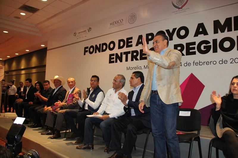El diputado coincidió con el gobernador Silvano Aureoles en que es apremiante que en el Poder Legislativo se avance en el estudio y análisis de la iniciativa que tiene como finalidad ampliar los derechos de los connacionales