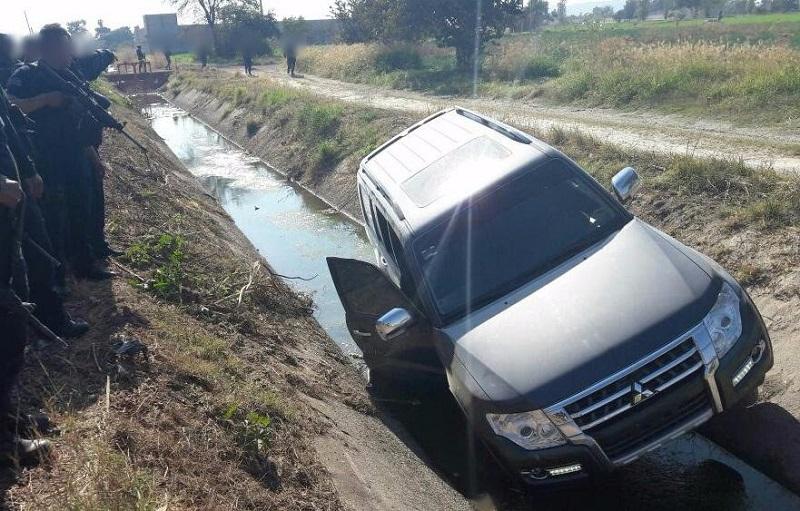 La SSP informa que en estos hechos cinco unidades oficiales de la Policía Michoacán resultaron con daños, tres por impactos de arma de fuego y las otras dos por colisión