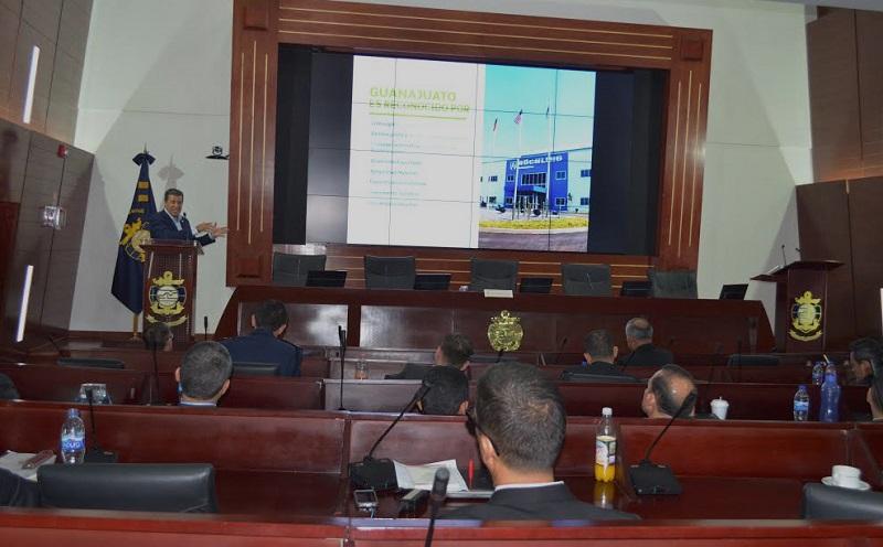Márquez Márquez presentó una conferencia al personal integrante de la XLI Promoción de la Maestría de Seguridad Nacional en el Centro de Estudios Superiores Navales