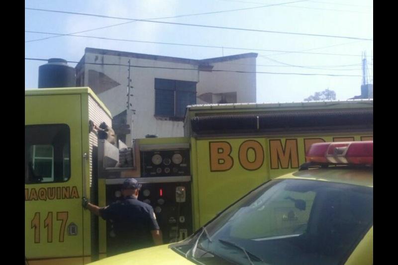 De acuerdo con los primeros reportes, en el siniestro está involucrada una falla en un tanque de gas (FOTO: FRANCISCO ALBERTO SOTOMAYOR)