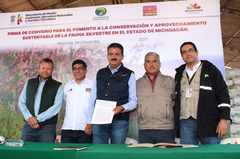 Este acuerdo fomentará el desarrollo de la ganadería diversificada en Michoacán, la cual representa una fuente de ingresos para los productores rurales, a la vez que se fomenta la preservación de la vida silvestre
