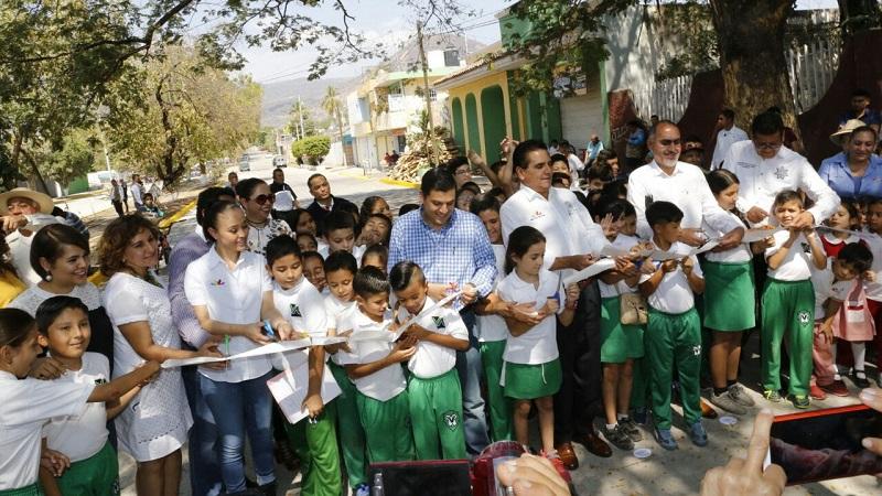 Estamos haciendo un trabajo sistemático y de cuidado en materia de seguridad en beneficio de los habitantes de Apatzingán, destaca Aureoles Conejo