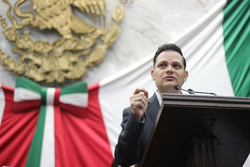 """""""Hagamos nuestras las exigencias populares, legislemos en los temas que le interesan a la población. No hagamos oídos sordos las inquietudes sociales"""": Gómez Trujillo"""