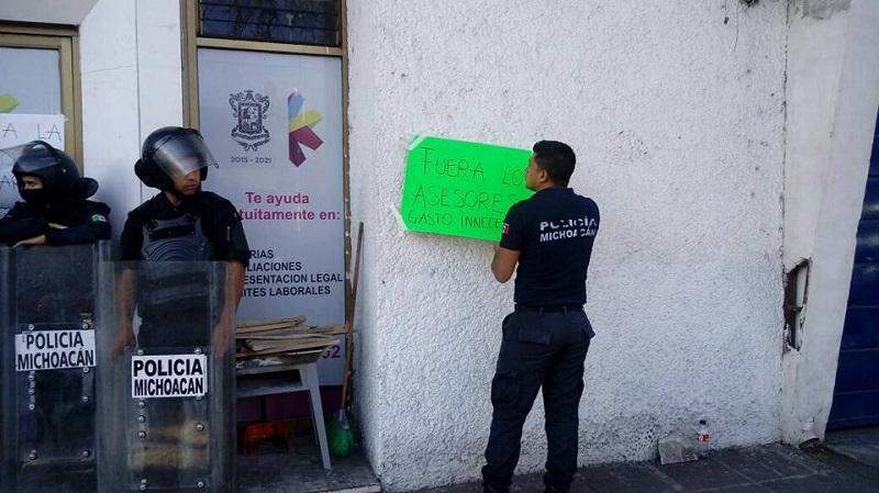 En la víspera, el secretario de Gobierno, Adrián López, ya había anunciado que se había agotado el diálogo con las 15 personas que mantenían la toma y lo que seguía era aplicar la ley