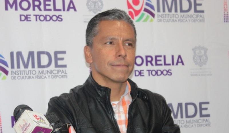 Yankel Benítez agradeció a nombre del Presidente Municipal, Alfonso Martínez Alcázar, el trabajo que Gustavo Juárez desempeñó al frente del IMDE, posicionando a Morelia como un referente en la entidad e incluso a nivel nacional