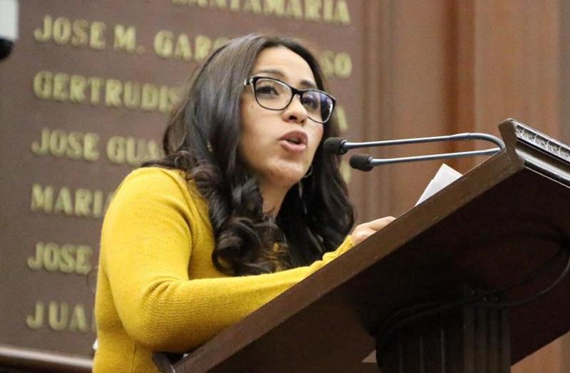 """""""Vemos un gobierno con una estrategia errática, toda vez que las medidas que se han implementado desde la federación son las de confundir a la opinión pública queriendo hacernos creer que estas medidas son para nuestro beneficio"""": Bernal Martínez"""