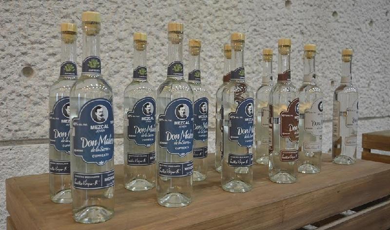 Con las normas oficiales: ISO/IEC 17020:2012 y NMX-EC-17020-IMNC-2014 quedan habilitados los laboratorios nicolaitas y su personal como Unidades de Verificación Tipo A, para apoyar la producción y otorgar un sello de garantía al mezcal michoacano como una bebida de calidad