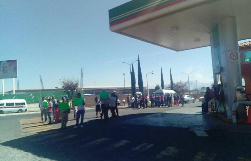 La manifestación se realiza de manera pacífica; agentes de la Policía Michoacán agilizan el tránsito en el lugar