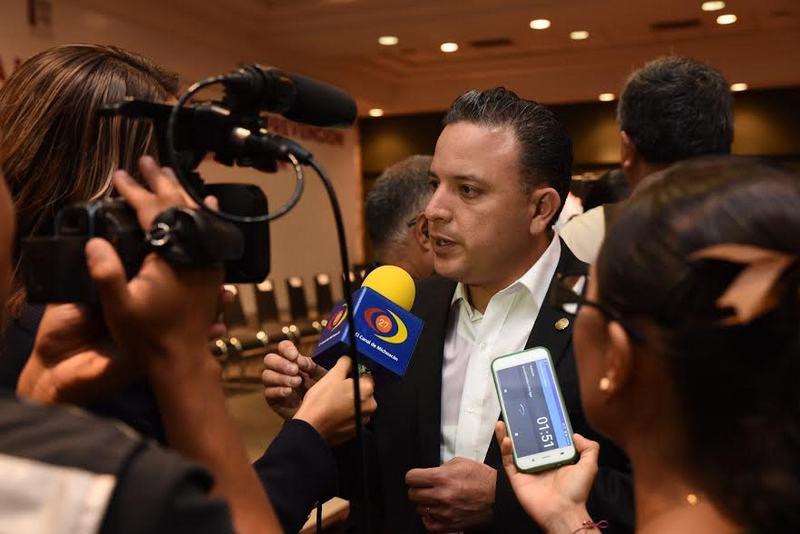 El coordinador panista confirmó que este martes se realizará la reunión de comisiones unidas que se había pospuesto esta semana a consecuencia de la comparecencia del procurador de justicia, José Martín Godoy