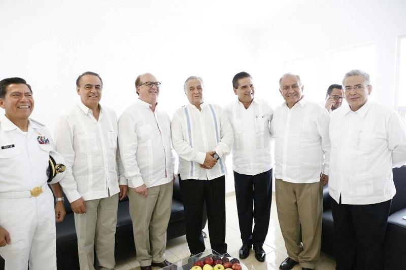 Desde el Congreso local, agregó Sigala, se impulsará la construcción de acuerdos que contribuyan a fortalecer a la costa michoacana, para que se mantenga como referente nacional para el desarrollo del estado y país