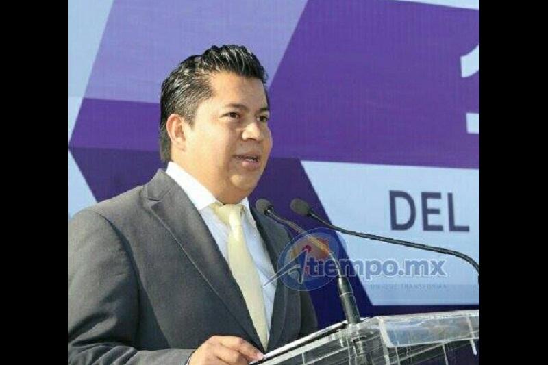 Víctor Montelongo destacó que se han gestionado ante autoridades estatales 60 cámaras de videovigilancia, así como 200 botones de pánico (FOTO: MARIO REBOLLAR)