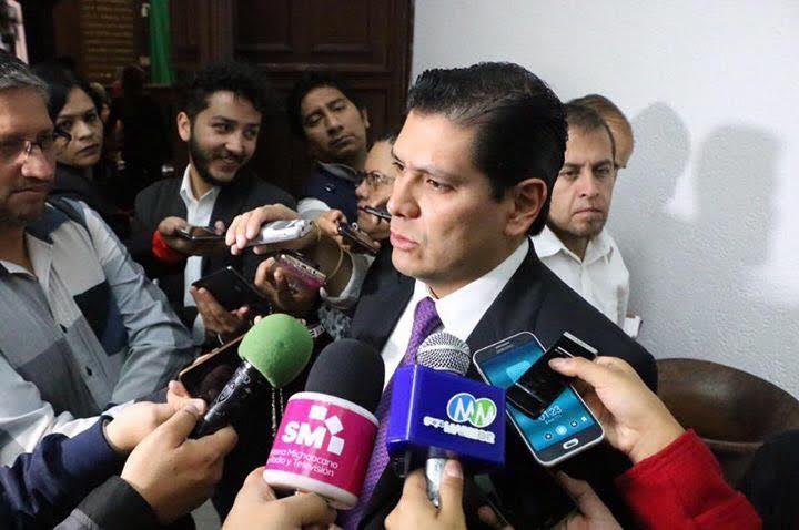 Núñez Aguilar impulsa la acción de tipificar dentro legislación penal este delito, además que conforme a las circunstancias en la que se haya cometido el acto se agrave el delito y pueda ser aumentada la pena